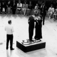 Annie Fratellini presents my silver medal/photo: H. Schulz